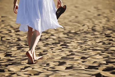 Ходьба при варикозе нижних конечностей: польза или вред, можно ли много ходить пешком?